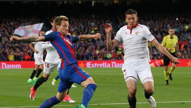 Clemet Lenglet (kanan) menganggap Lionel Messi sebagai pemain terbaik di dunia.