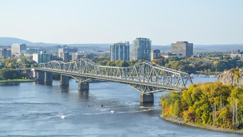 Alexandra Bridge between Ottawa, Ontario and Gatineau, Quebec