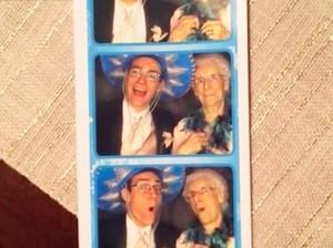 So Sweet! Remaja Pria Ini Ajak Kencan Neneknya ke Prom Night