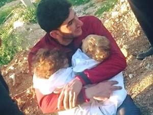 Pria Suriah Kehilangan 25 Anggota Keluarga Akibat Serangan Kimia