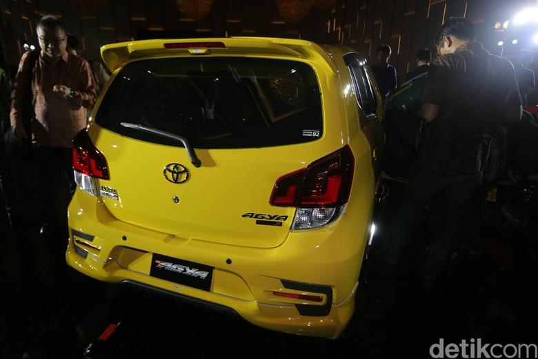 Mobil LCGC Toyota Agya TRD. Foto: Agung Pambudhy
