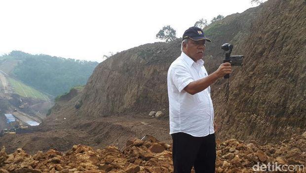 Menteri PUPR Vlogging di Tol Bawen-Salatiga
