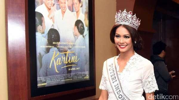 Gaya Puteri Indonesia 2017 di Nobar Kartini