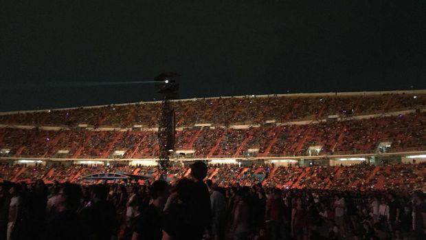 Suasana konser Coldplay di Bangkok.