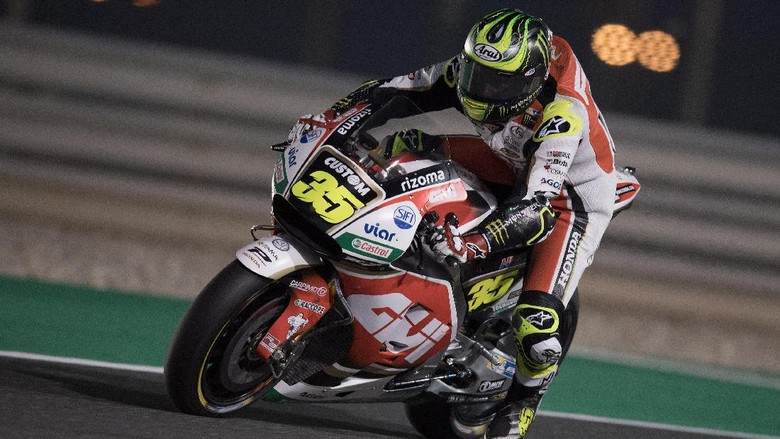 DOHA, QATAR - MARCH 24: Cal Crutchlow of Great Britain and LCR Honda heads down a straight during the MotoGp of Qatar - Free Practice at Losail Circuit on March 24, 2017 in Doha, Qatar.  (Photo by Mirco Lazzari gp/Getty Images)
