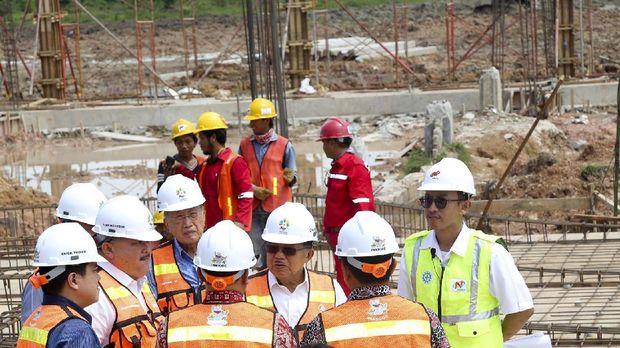 Wapres Jusuf Kalla saat meninjau pembangunan venue Asian Games di Palembang beberapa waktu lalu.