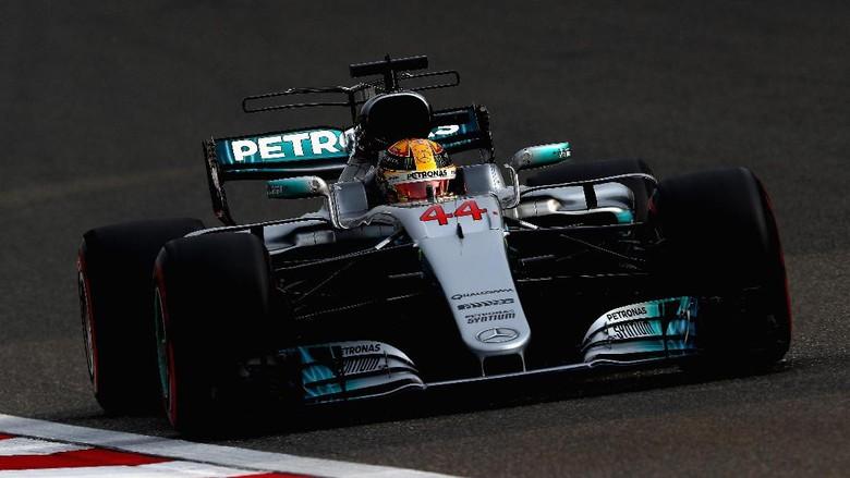 Ferrari Beri Perlawanan Sengit, Hamilton Antusias