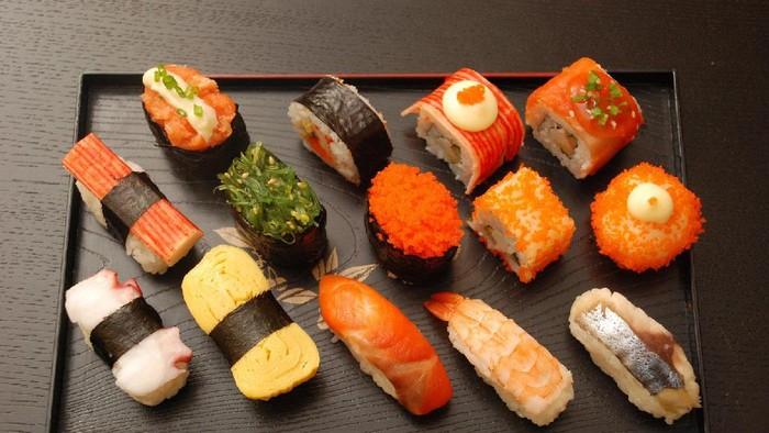 Mau Makan Sushi di Restoran? Kenali Dulu 10 Jenis Sushi Populer Ini (2)