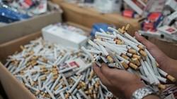 Rokok Tetap Dibeli Meski Cukai Naik, Perokok Miskin Bisa Makin Miskin