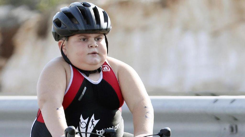 Inspiratif! Penyakit Langka Tidak Menghalangi Bocah Ini Ikut Triathlon