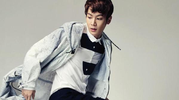Model Lee Chul Woo Bantah Terlibat di Kasus Jung Joon Young