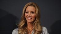 Ups! Anak Lisa Kudrow Pernah Kira Jennifer Aniston Ibunya