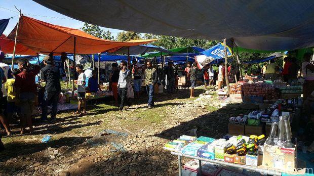 Keramaian Pasar Perbatasan Turiskain (Fitraya/detikTravel)