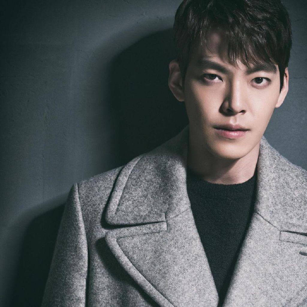 Lama Tak Muncul Pasca Vonis Kanker, Kim Woo Bin Kini Gondrong