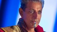 Jeff Goldblum berperan sebagai The Grandmaster, pemimpin arena dimana Thor harus bertarung melawan Hulk. (Dok. Walt Disney Studios Motion Pictures)