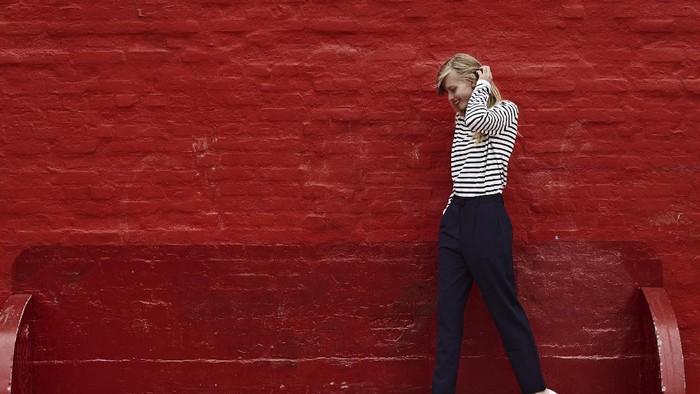 Suka pakai baju bermotif garis-garis ternyata berhubungan dengan berat badan lho. Foto: Thinkstock