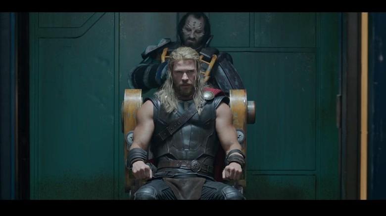 Chris Hemsworth Ungkap Kode Kematian Thor di Avengers: Infinity War