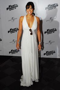 Trasnformasi Gaya Michelle Rodriguez, Bintang Seksi di Fast and Furious 8