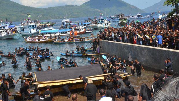 Prosesi Laut Semana Santa di Larantuka, Flores, NTT