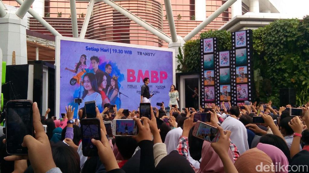 Serunya Gelaran Hangout With All Star di Trans Studio Mal