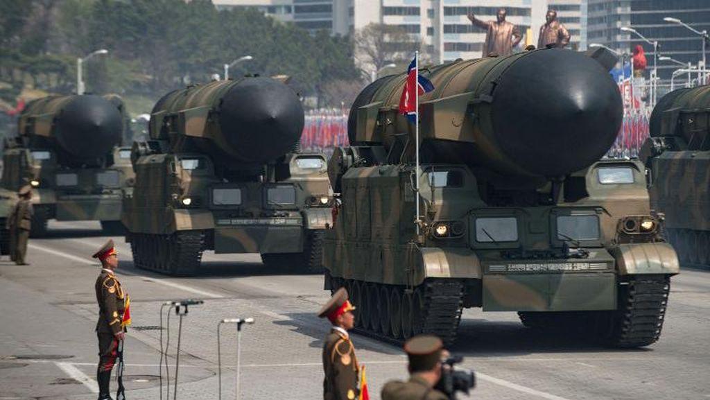 Korut Diyakini Pamerkan Rudal ICBM Jenis Baru Saat Parade Militer