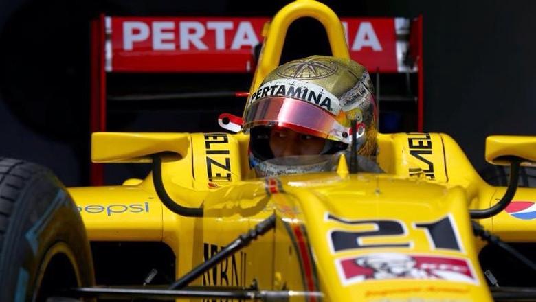Sean Gelael Finis ke-17 di Sprint Race GP Bahrain