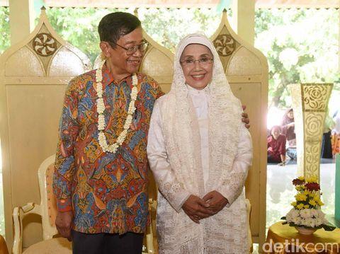 Suami Nani Wijaya Dilarikan ke IGD karena Serangan Jantung?