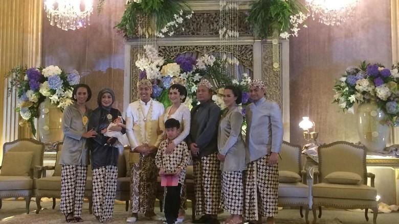 Keluarga Raffi Ahmad Juga Tak Terlihat di Pernikahan Adik Nagita