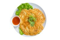 Sekali-sekali Makan Fu Yung Hai yang Gurih Bersaus Asam Manis di sini!