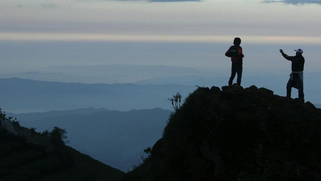 Kunjungan Wisatawan ke Dieng Turun Akibat Letusan Kawah Sileri