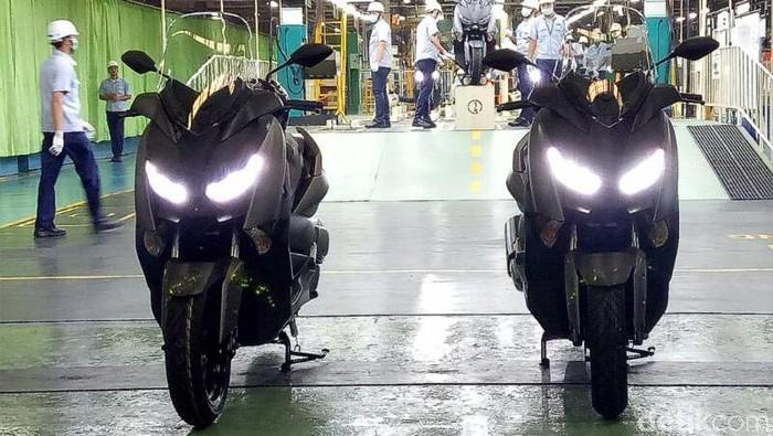 Yamaha Indonesia kembali menambah model sepeda motor yang diekspor. Kali ini, pabrikan berlogo garpu tala ini mengekspor skuter matik (skutik) bongsor ke Eropa yaitu Yamaha XMAX 300.