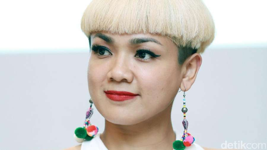 Penampilan Baru Nirina Zubir, Yay or Nay?