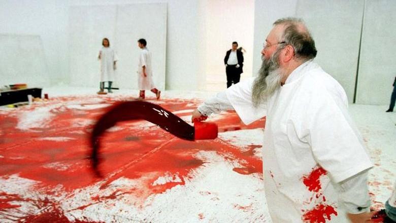 Jijik! Seniman Austria Gelar Pertunjukan Mandi Darah Binatang