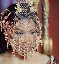 Kedua Kalinya, Nicki Minaj Pakai Aksesori Rancangan Desainer Indonesia