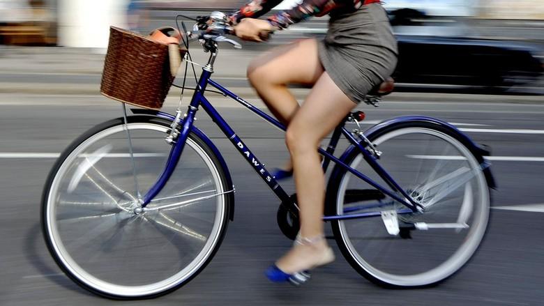 Naik Sepeda ke Kantor Bisa Kurangi Risiko Kanker