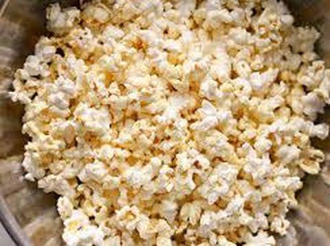 Popcorn murni tanpa tambahan dapat menjadi sumber serat yang baik.