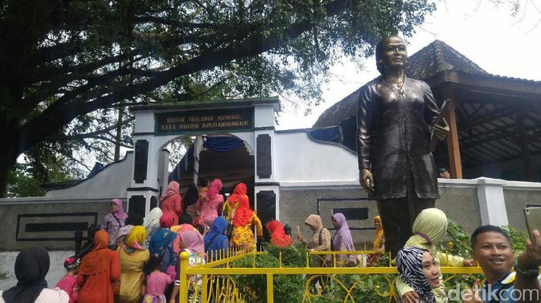 Makam RA Kartini di Rembang
