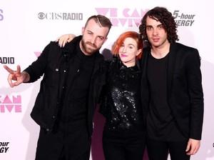 Promotor Akhirnya Buka Suara Soal Pembatalan Konser Paramore