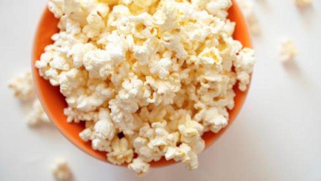 8 Makanan Ini Pernah Muncul di Adegan Film Horror
