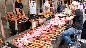 Chuan, Sate Domba yang Populer Sebagai Jajanan Kaki Lima di China