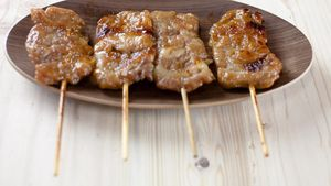 Dakkochi, Sate Ayam yang Pedas Menyengat dari Korea