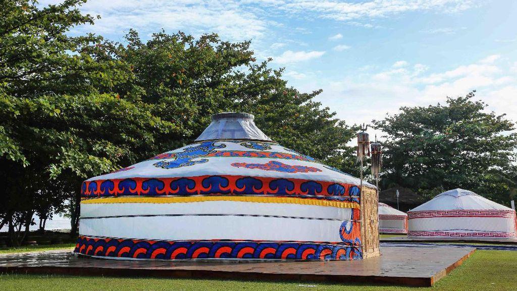 Ketika Mongolia Pindah ke Tanjung Lesung di Banten
