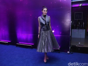 Sering Pakai <I>High Heels</I>, Ini Tips Sandra Dewi Agar Tulang Tak Bermasalah