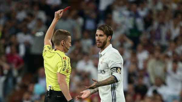 Kartu Merah Ramos Bikin Lini Belakang Madrid Ompong