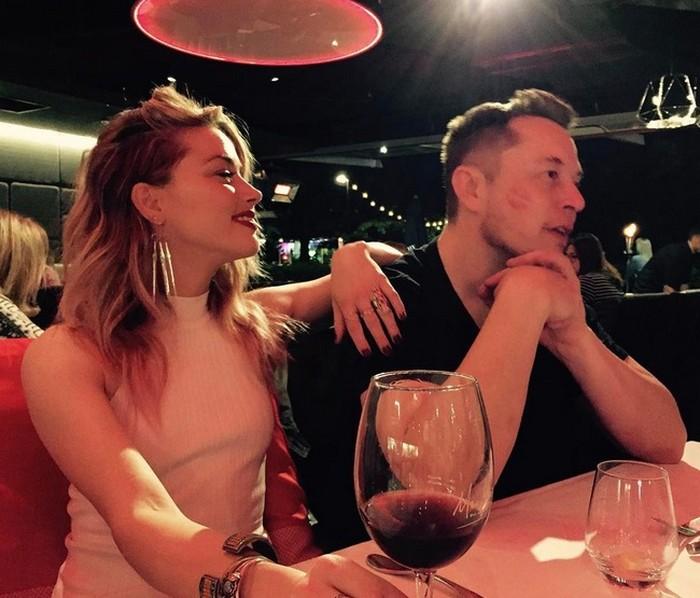 Amber Heard bersama Elon Musk dari akun instagram Elon.