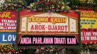 Karangan bunga untuk Ahok di Balai Kota /