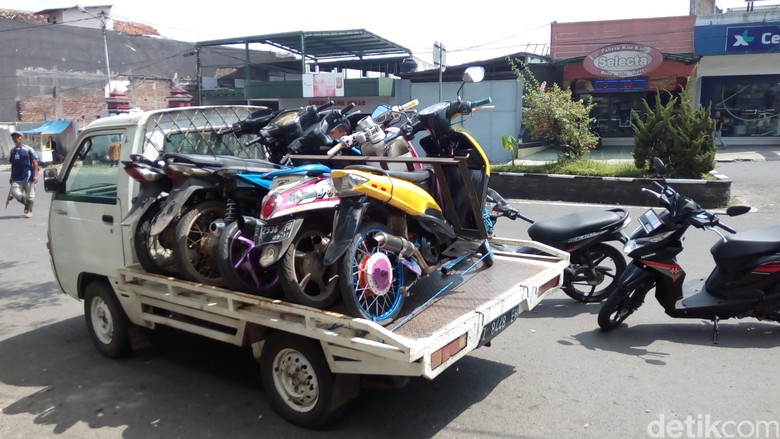 Razia Motor Knalpot Bising di Garut