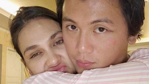 Jalan-jalan ke Bangkok Jadi Kado Terakhir Reino Barack untuk Luna Maya