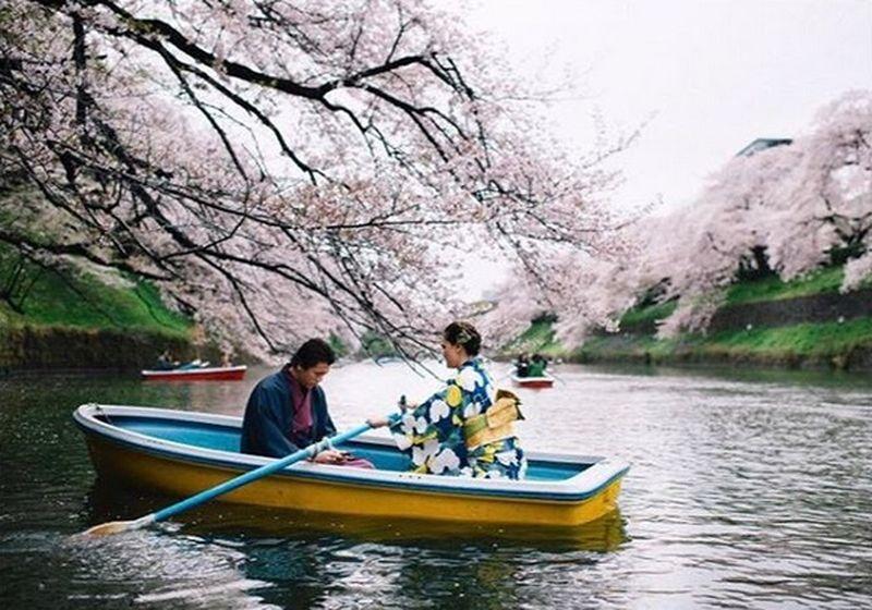 Dulu, Luna Maya dan Reino Barack sempat beberapa kali liburan bareng. Salah satunya ke Jepang (Instagram/lunamaya)