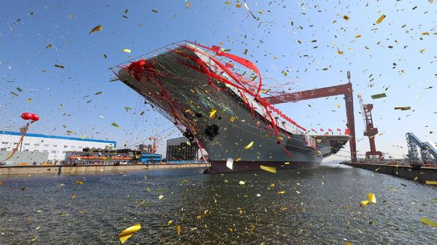 Kapal induk China Liaoning.